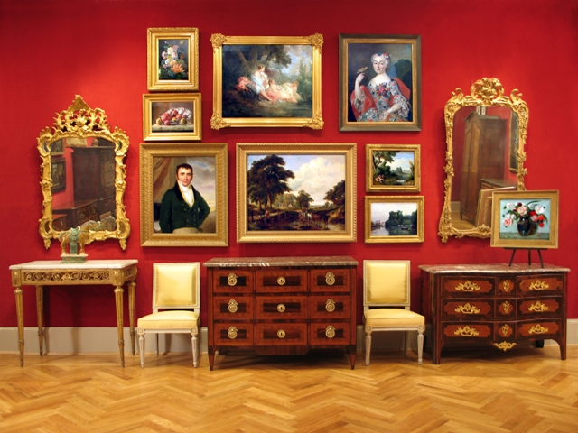 art and antiques storage